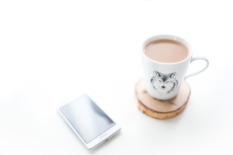 coffee-mug-smartphone-desk-large