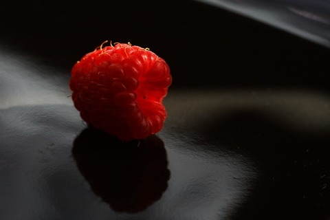 fruits-raspberry-large