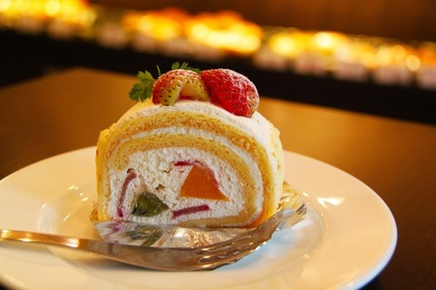 cake-cream-strawberry-dessert-53110-medium