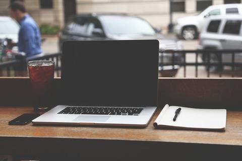 notebook-hero-workspace-minimal-large