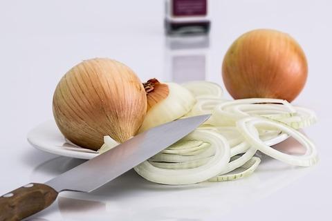 onion-slice-knife-food-37912-medium
