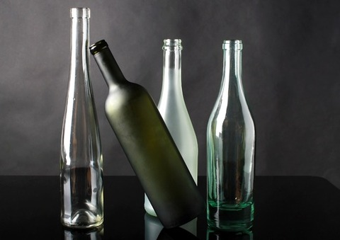 glass-the-bottle-composition-studio-37549-medium